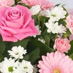 Шикарный букет цветов «Виктория»
