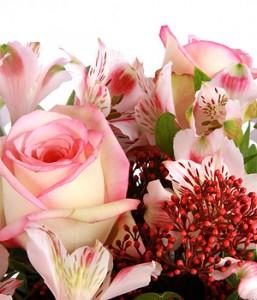 Свадебный розовый букет «Ассорти»