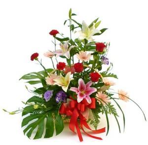 Цветы в корзинке «Эстрадный»