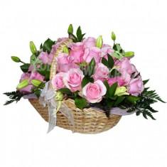 Цветы в корзине «Любимая»