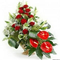 Корзина цветов «Величество»