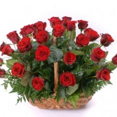 31 роза в корзине «Лукошко»