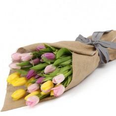Букет из разных тюльпанов «Комплимент 2″