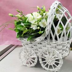 Букет для выписки из роддома в виде коляски «Малыш»