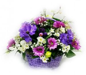 Композиция из искусственных цветов «Фиолетовая корзинка»