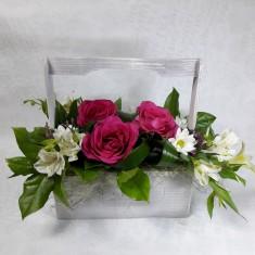 Цветы в деревянных ящичках ручной работы №1