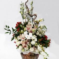 Элитная цветочная композиция в кашпо №10