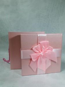 Коробка для презента 18 на 18 см №4