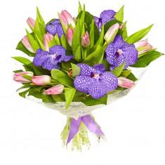 Букет цветов «Бабочки очарования»